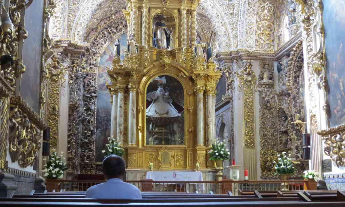 Church of Santo Domingo (Hazel Plush)