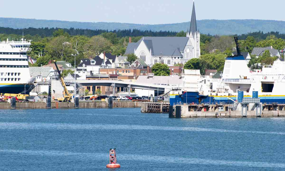 Sydney Harbour, Nova Scotia (Shutterstock.com)