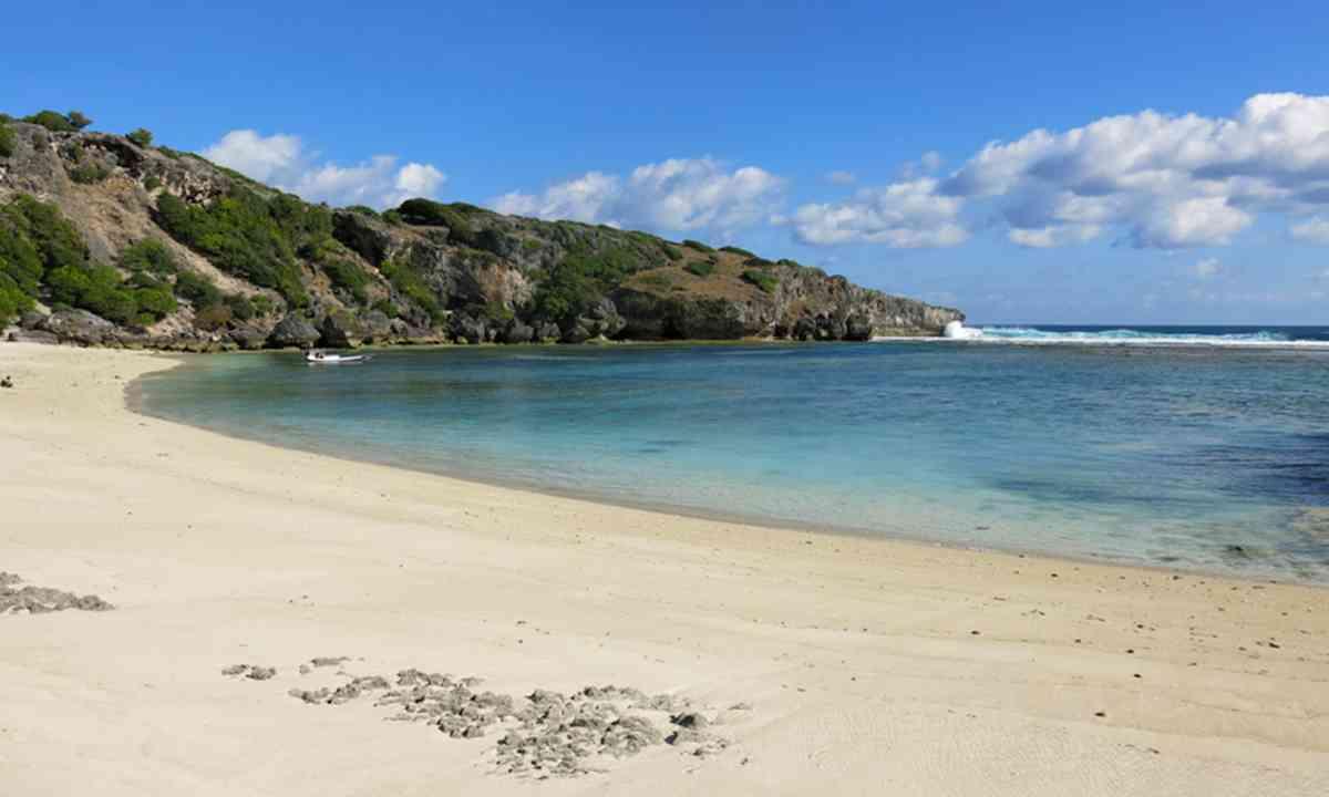 Nemberala Beach, Rote Island, Indonesia (Rebecca Mayoli)