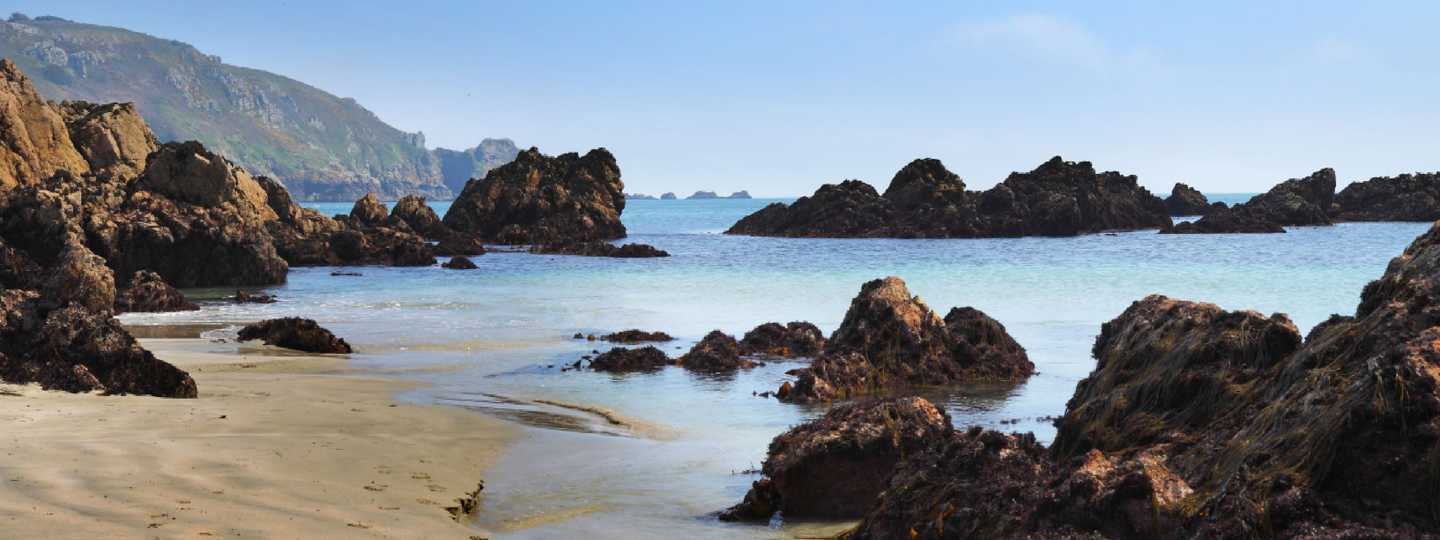 Sandy beach in Guernsey (Dreamstime)