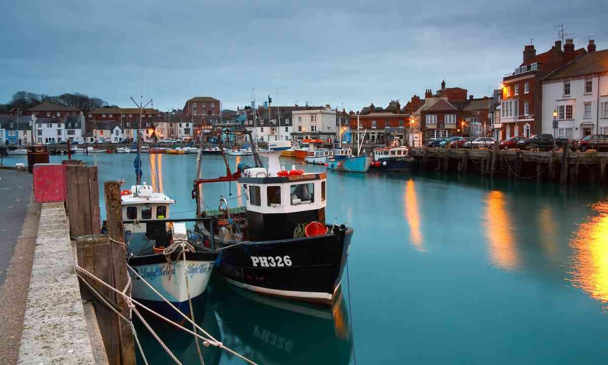 Weymouth Harbour (Shutterstock.com)
