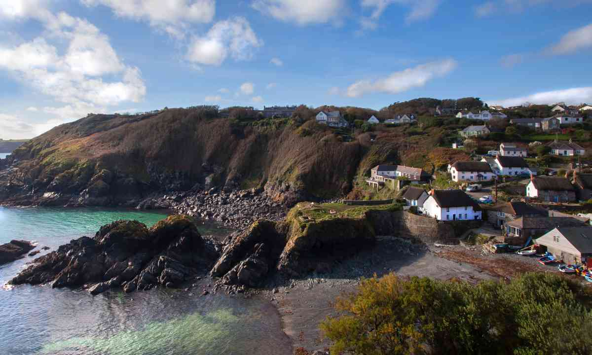 Cadgwith Cornwall (Shutterstock.com)
