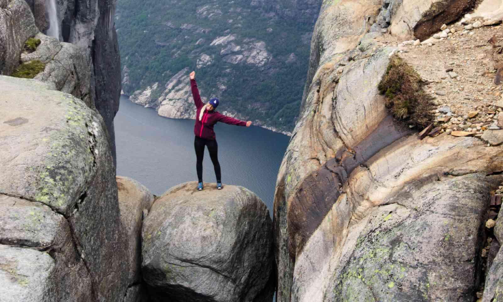 The vertigo-inducing Kjeragbolten, (Neil S Price)