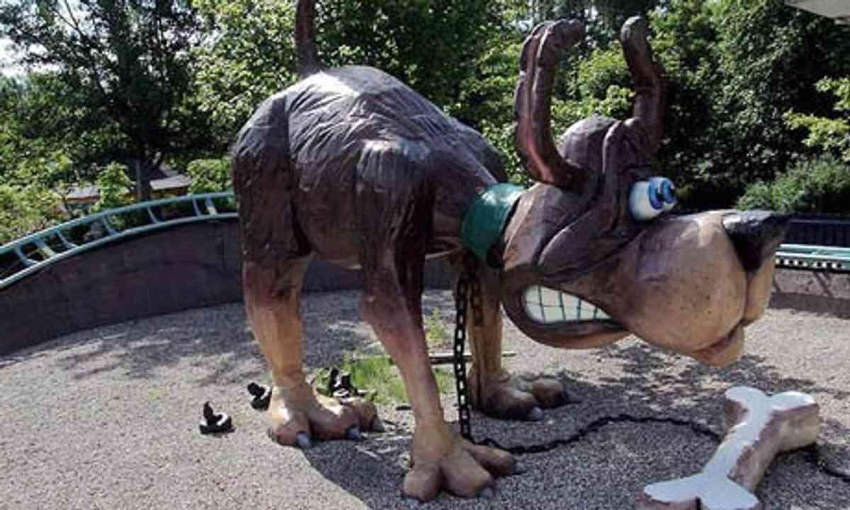 Giant farting dog (Bon Bon Land)