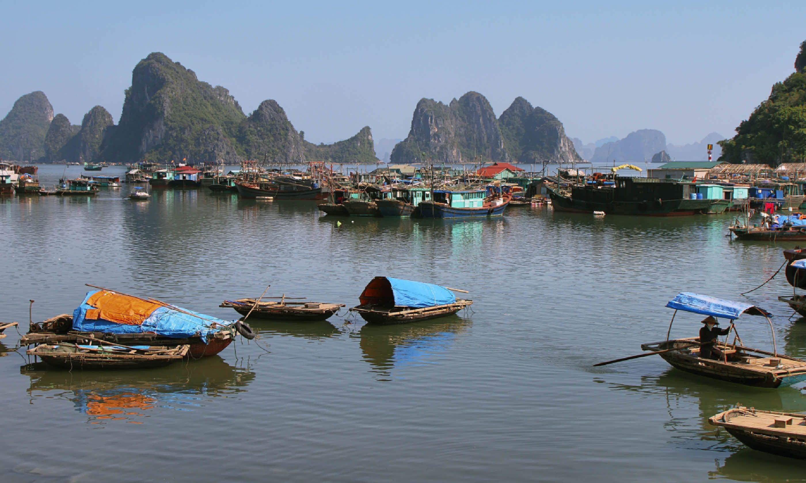 Bai Tu Long Bay, Vietnam (Dreamstime)