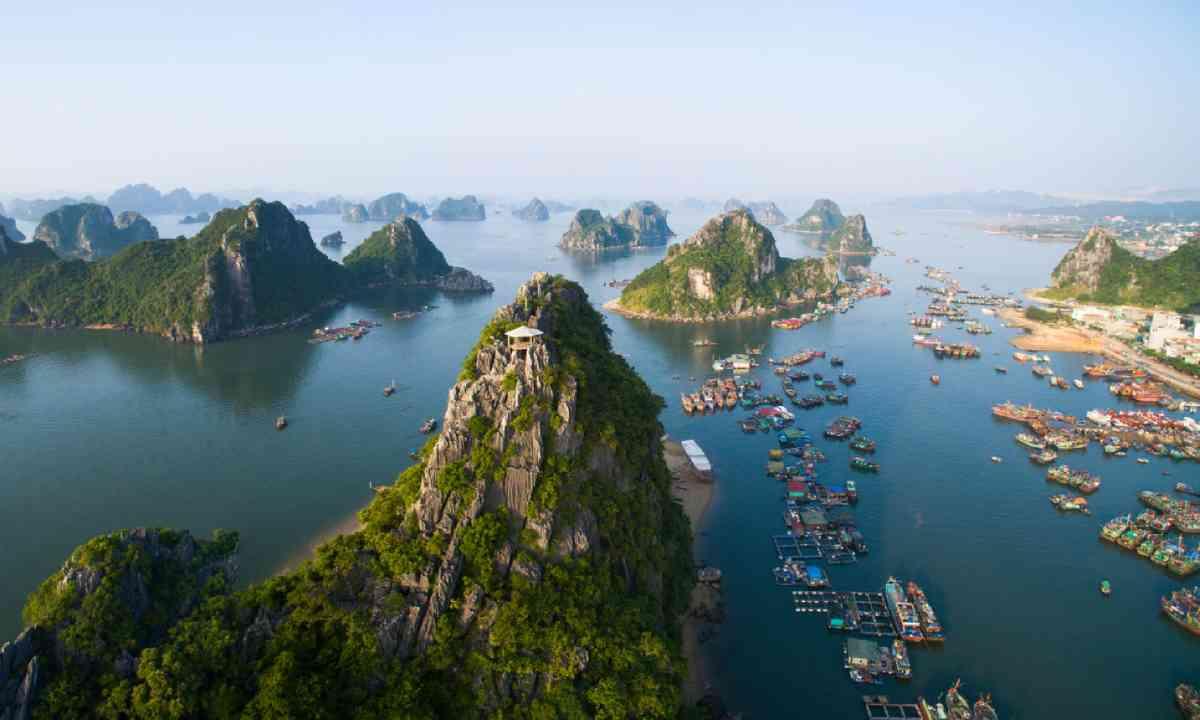 Halong Bay, Vietnam (Shutterstock)