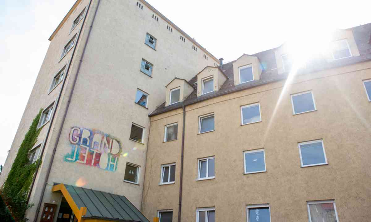Entrance to the Grandhotel Cosmopolis (Grandhotel Cosmopolis)