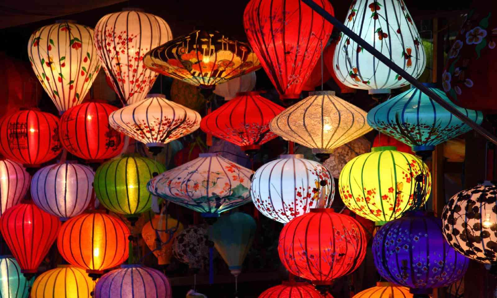 Lanterns (Dreamstime)