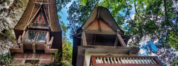 Alternative funeral rituals in South Sulawesi | Wanderlust