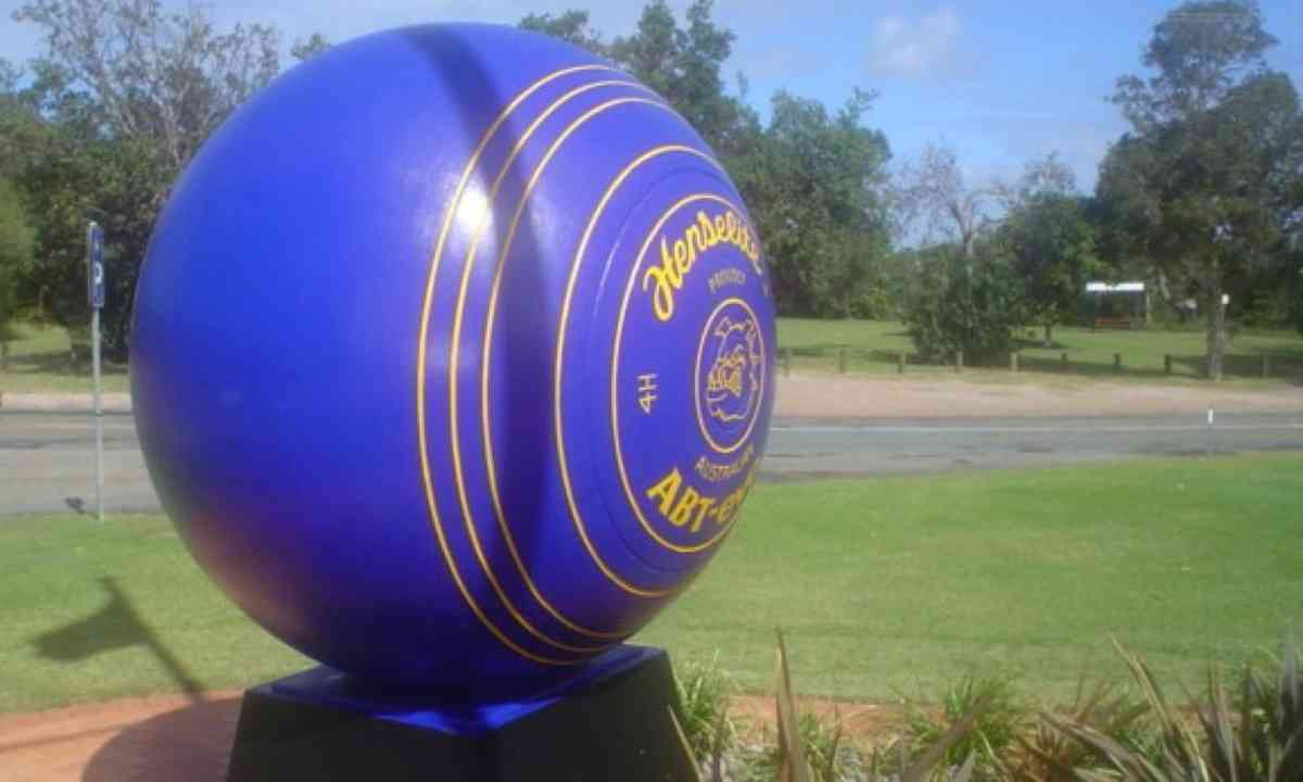Big Bowling Ball (Creative Commons: Photnaut)