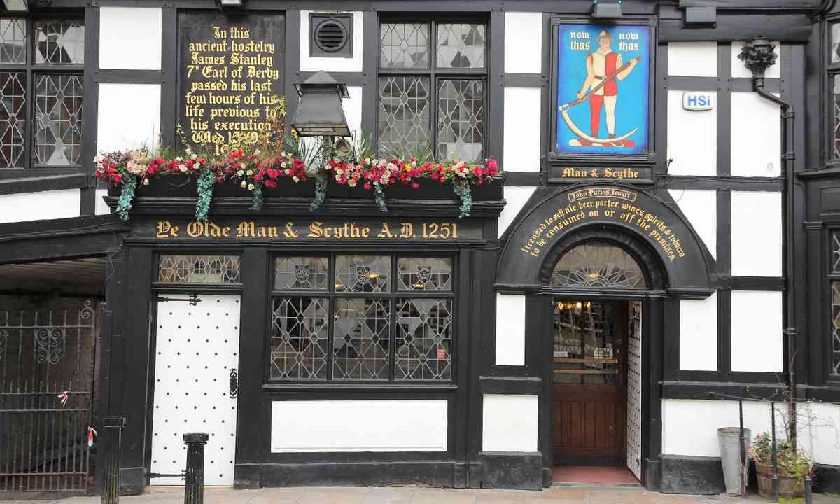 Ye Old Man & Scythe, Bolton (Shutterstock.com)