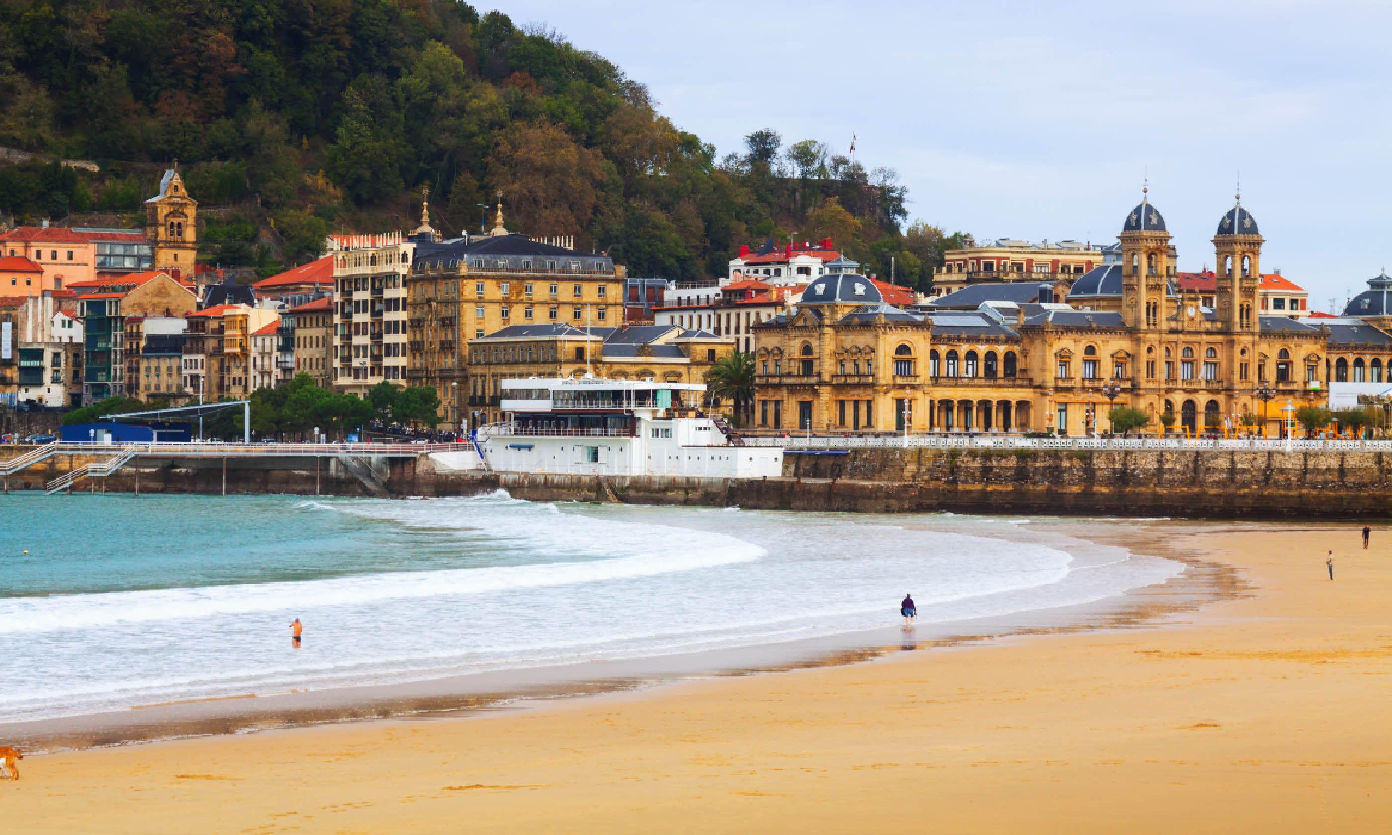 La Concha beach in San Sebastian. Spain (Shutterstock)