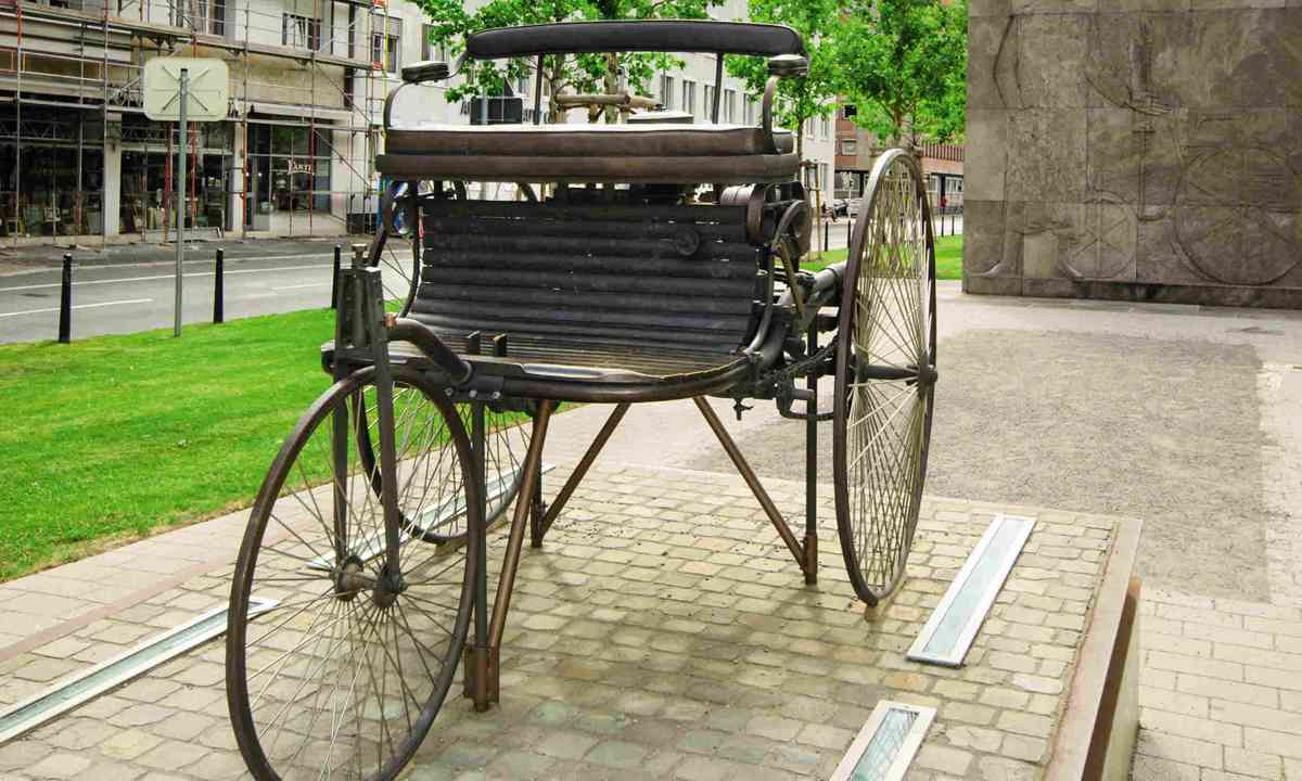 A replica of the first Motorwagen used by Bertha Benz (Neil S Price)