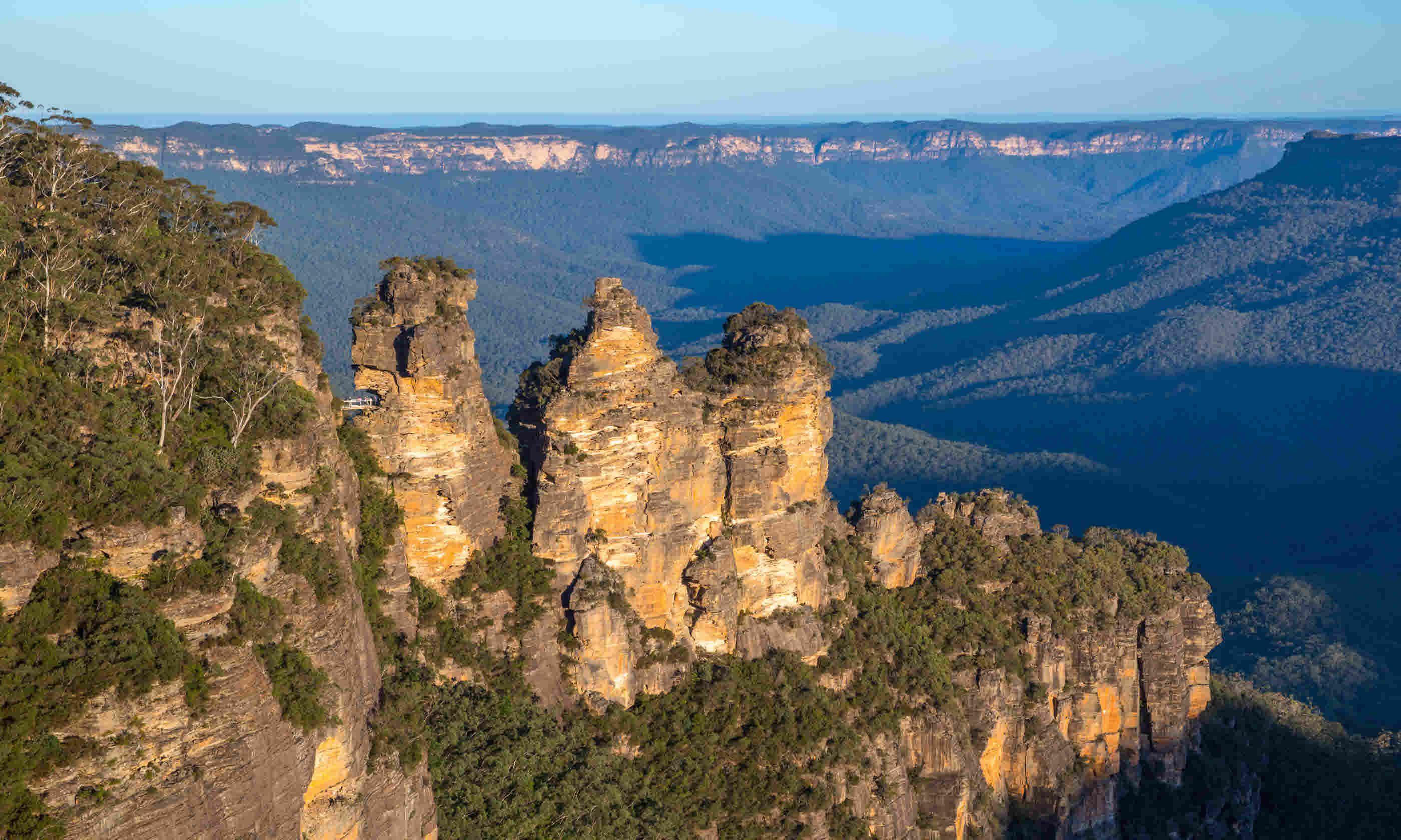 Three Sisters Rocks, Blue Mountains (Shutterstock)