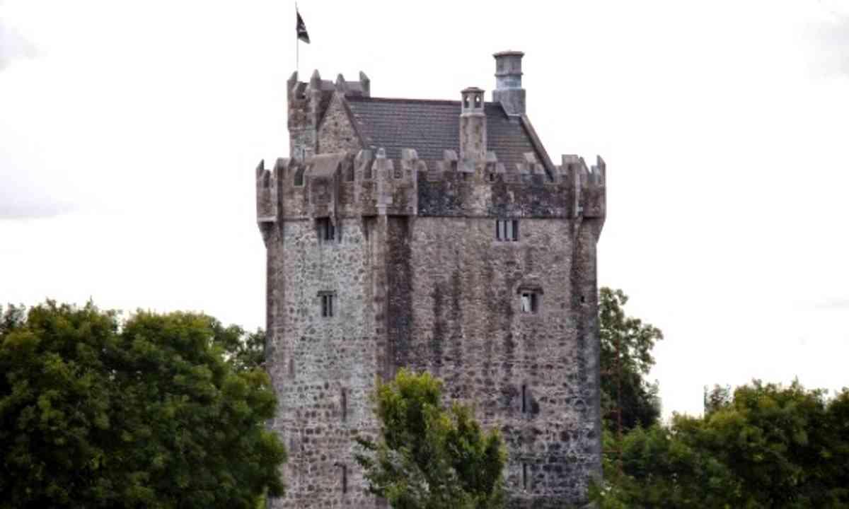 Strongfort Castle (Strongfort Castle)