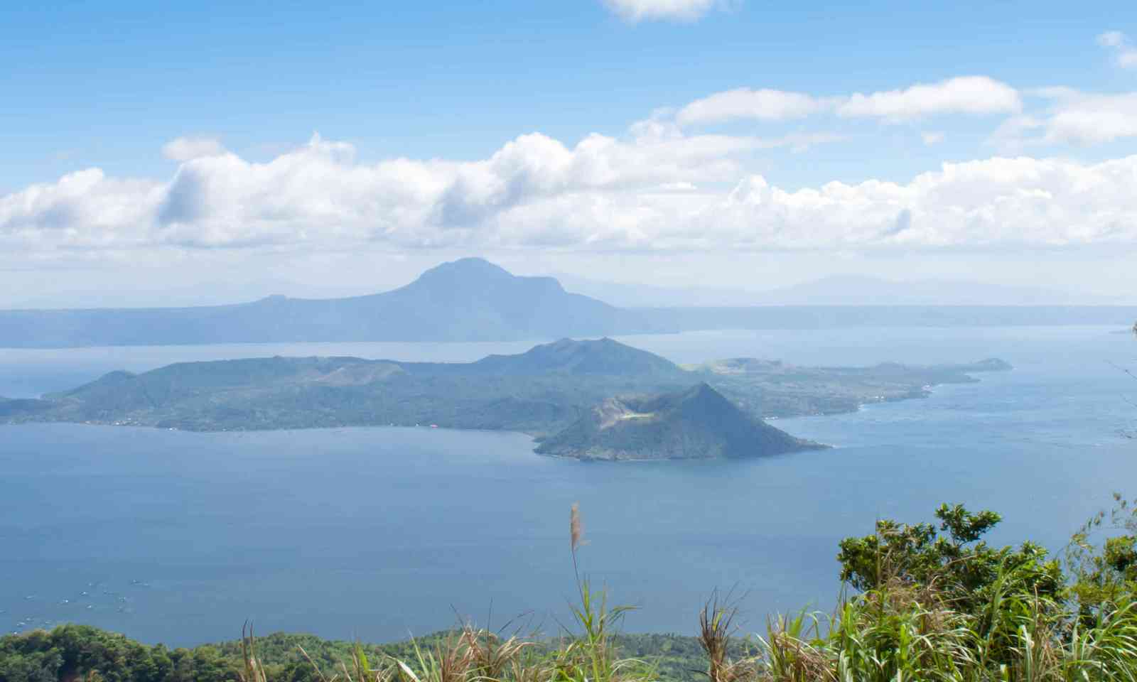 The volcanic crater of Binintiang Malaki (Shutterstock)