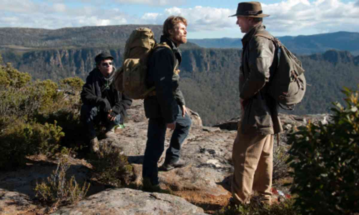 Daniel Nettheim on set with Willem Defoe and Sam Neill