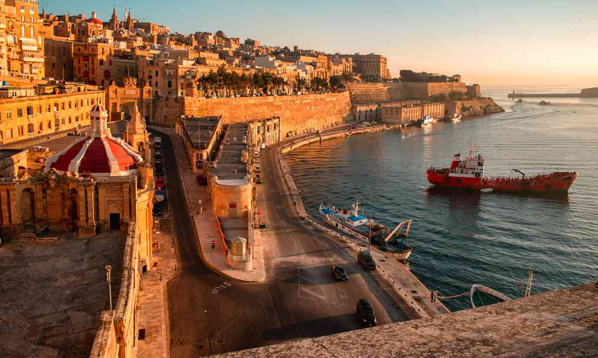 Ancient walls and streets of Valetta, Malta (Shutterstock.com)