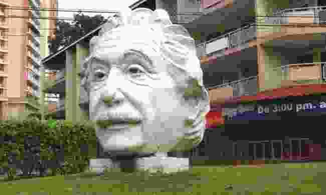 Statue of Albert Einstein's head, Panama (Omar Upegui R./Lingua Franca)