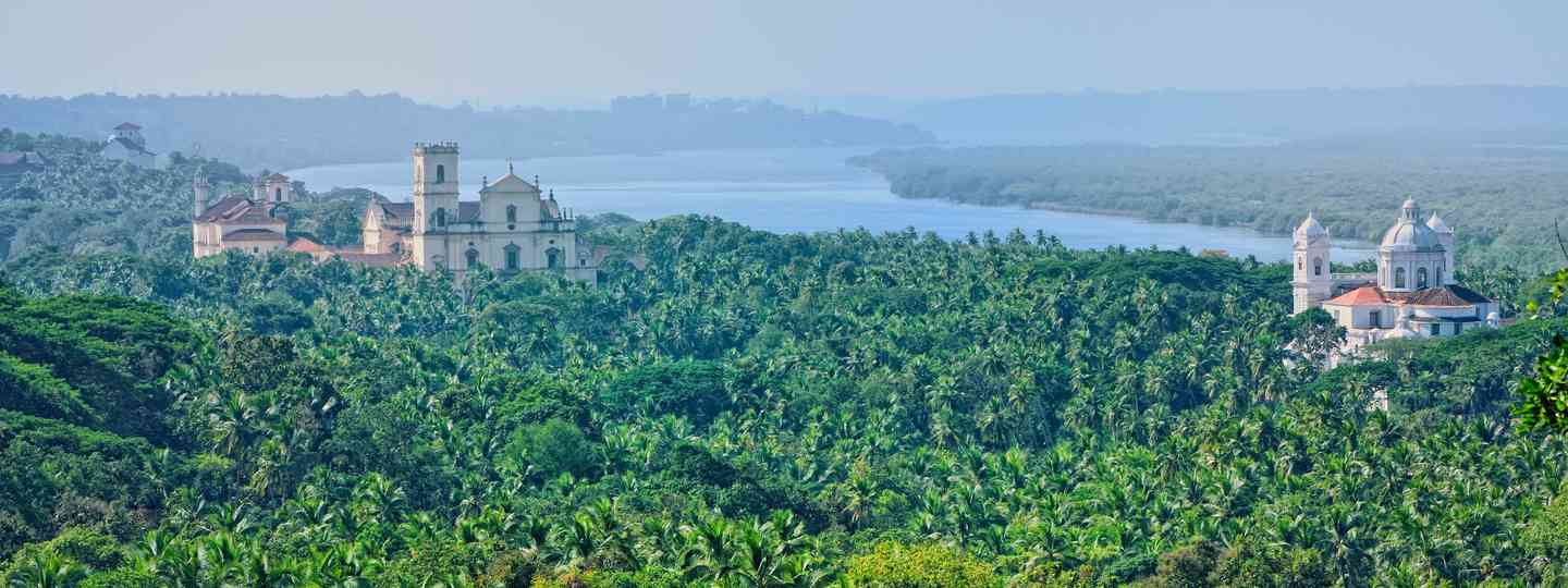Main image: Old Goa (Dreamstime)