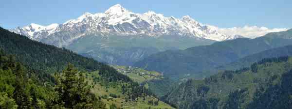 Tetnuldi (4,858m), the tenth highest peak of the Caucasus, in Svaneti (TCT)