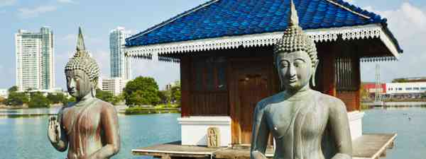 Seema Malaka Buddhist temple, Colombo (Dreamstime)