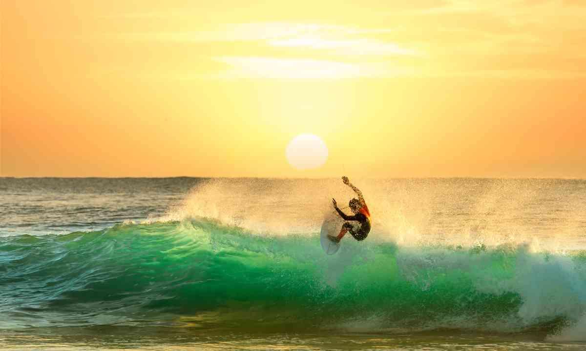 Surfing in Australia (Shutterstock.com)