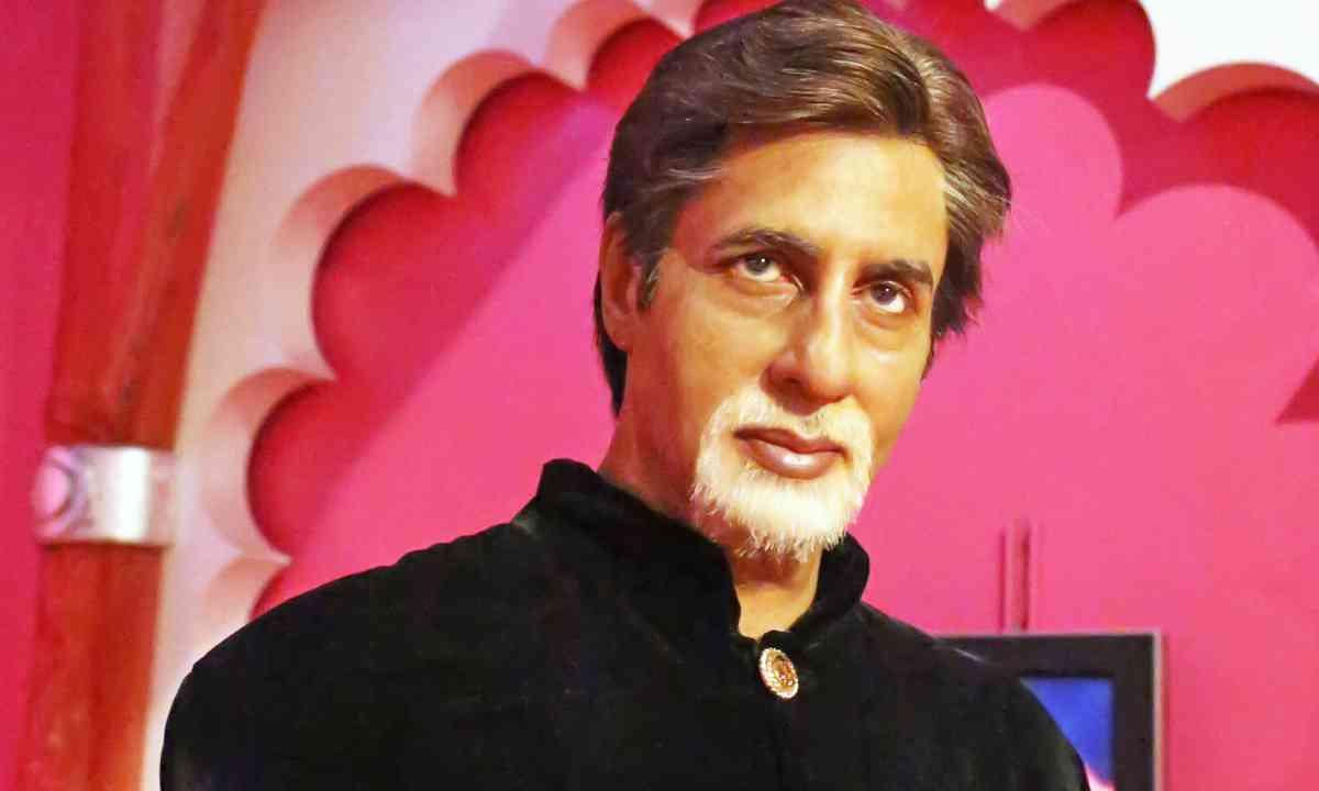 Waxwork of Amitabh Bachchan (Dreamstime)