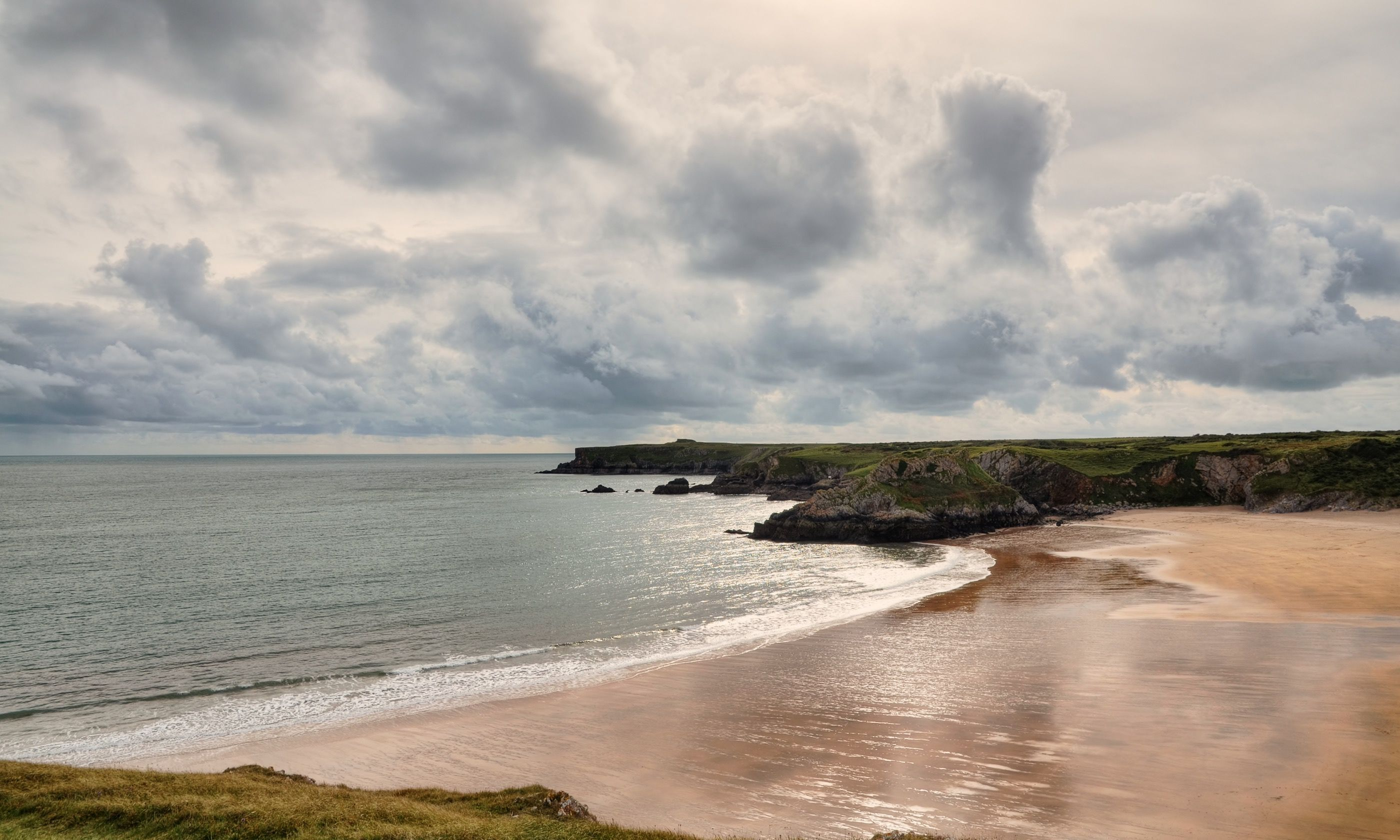Stormy skies over Broad Haven (Shutterstock.com)