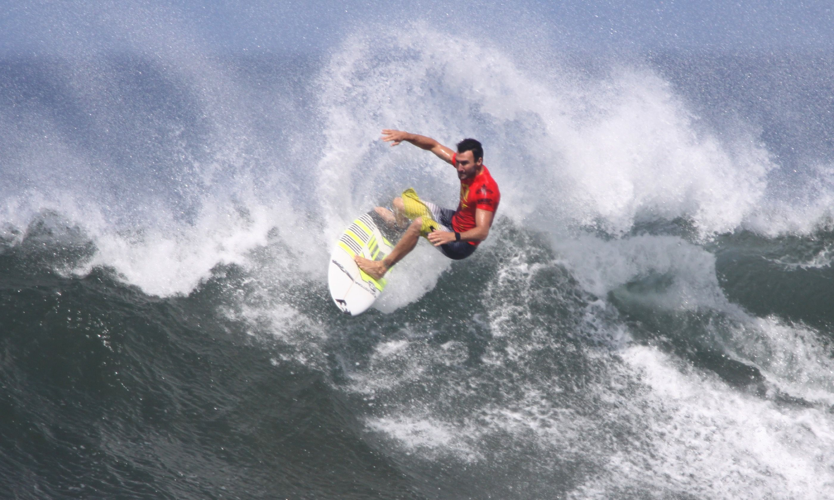 Aussie surfer (Dreamstime)