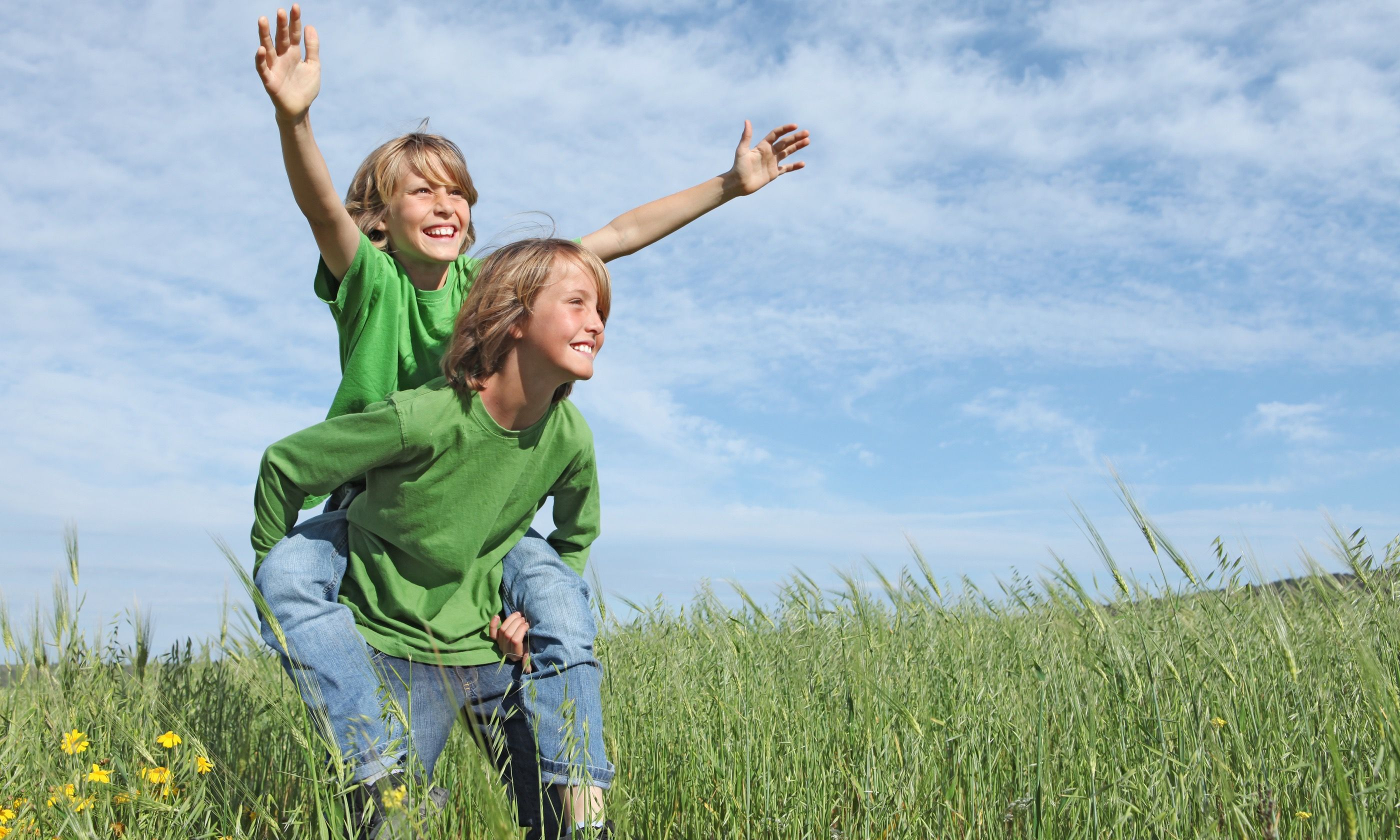 Kids living in the moment (Dreamstime)
