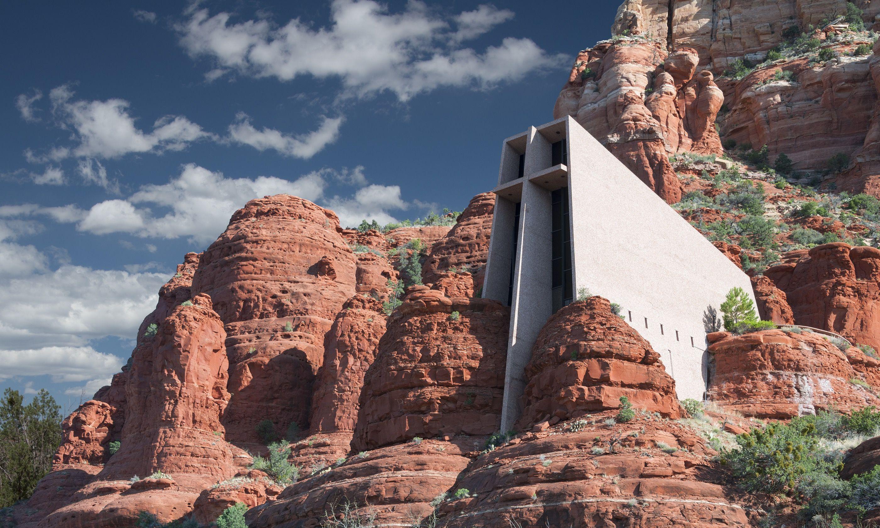 Chapel Of The Holy Cross In Sedona Arizona (Shutterstock.com)