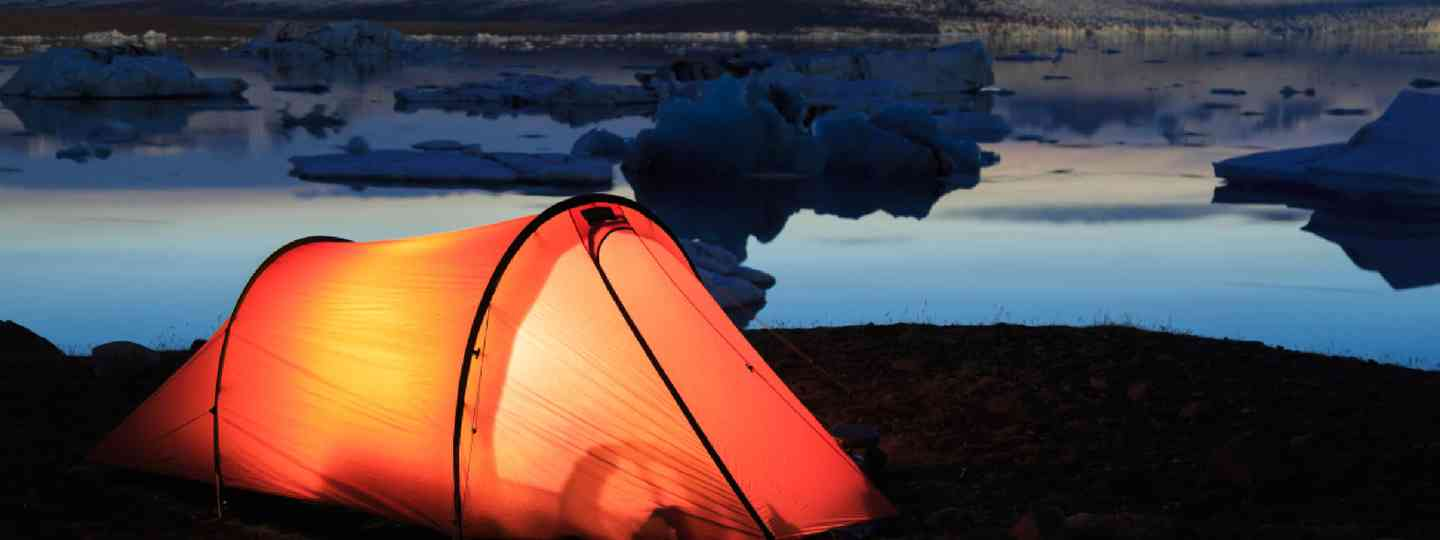 Tent on the shore of the Jokulsarlon lagoon, Iceland (Shutterstock)