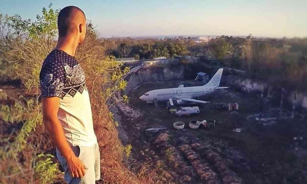 Abandoned plane, Bali (Jacob Laukaitis)