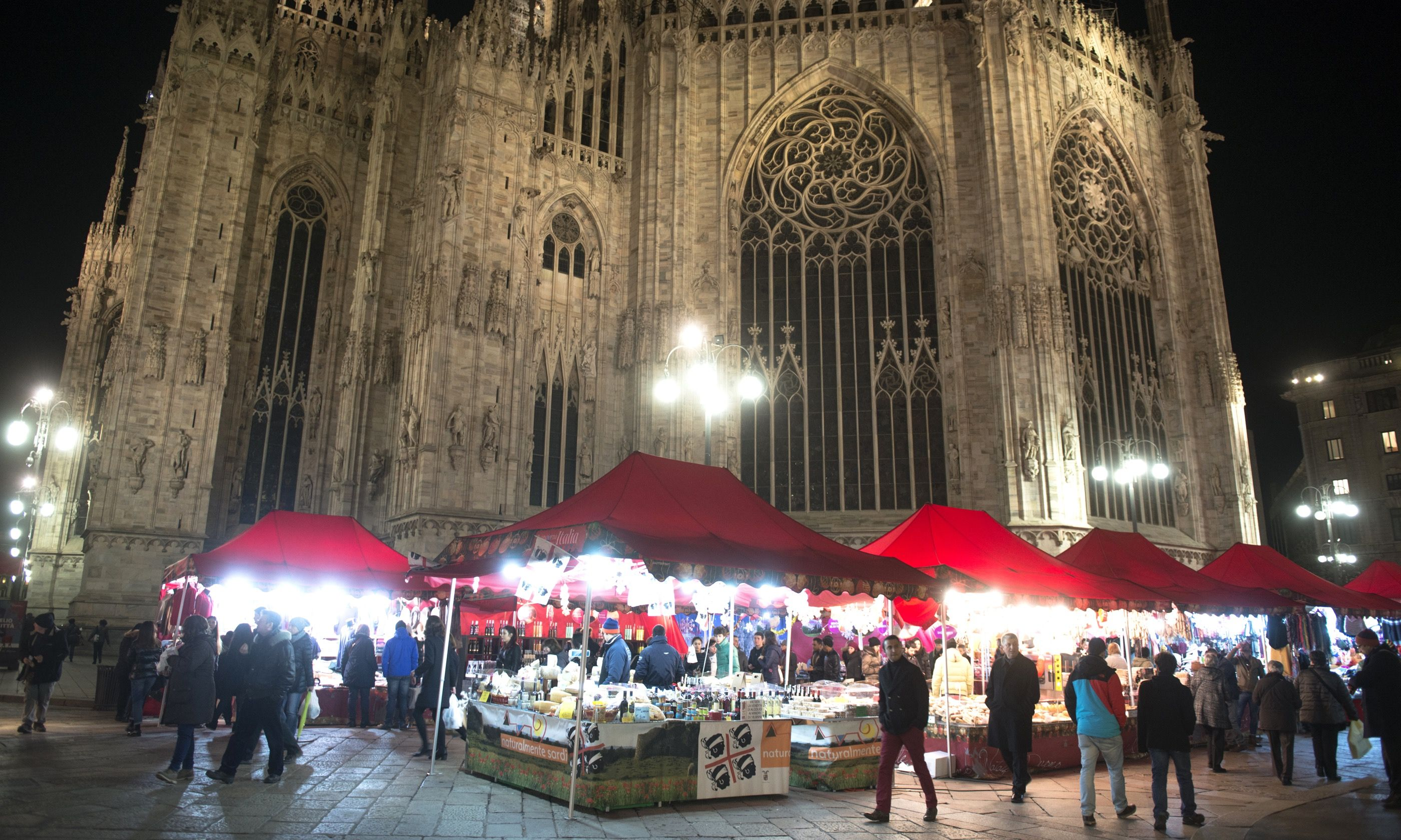 Christmas Market, Milan (Shutterstock.com)