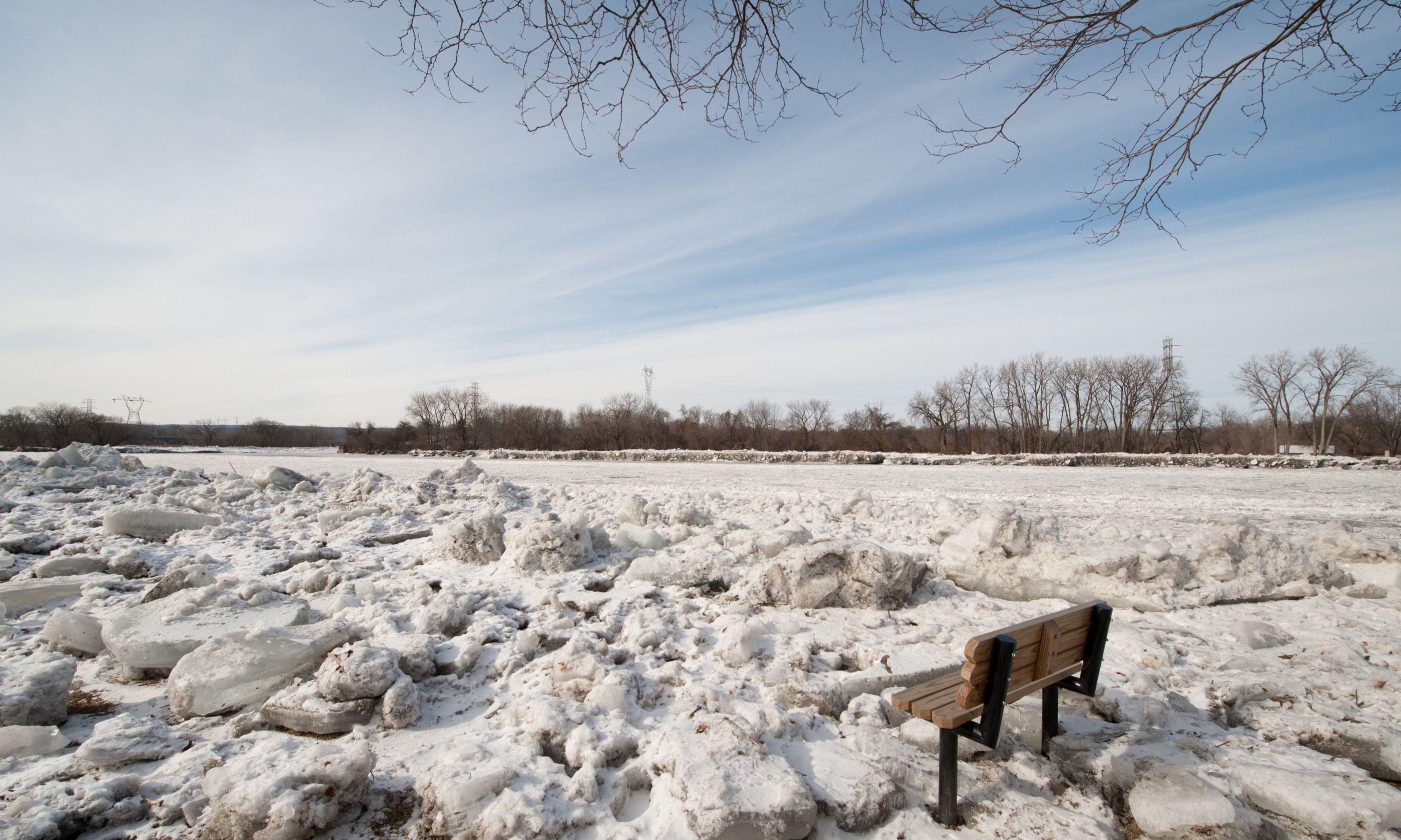 Frozen Mohawk River (Shutterstock.com)