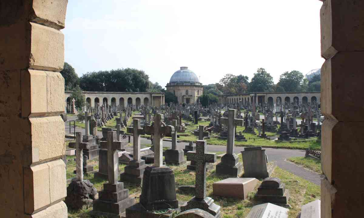 Central Section, Brompton cemetery (Creative Commons: Stephencdickson)