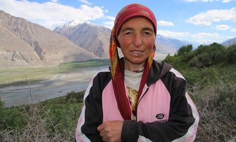 Lady on the Pamir Highway (Ant Bolingbroke-Kent)