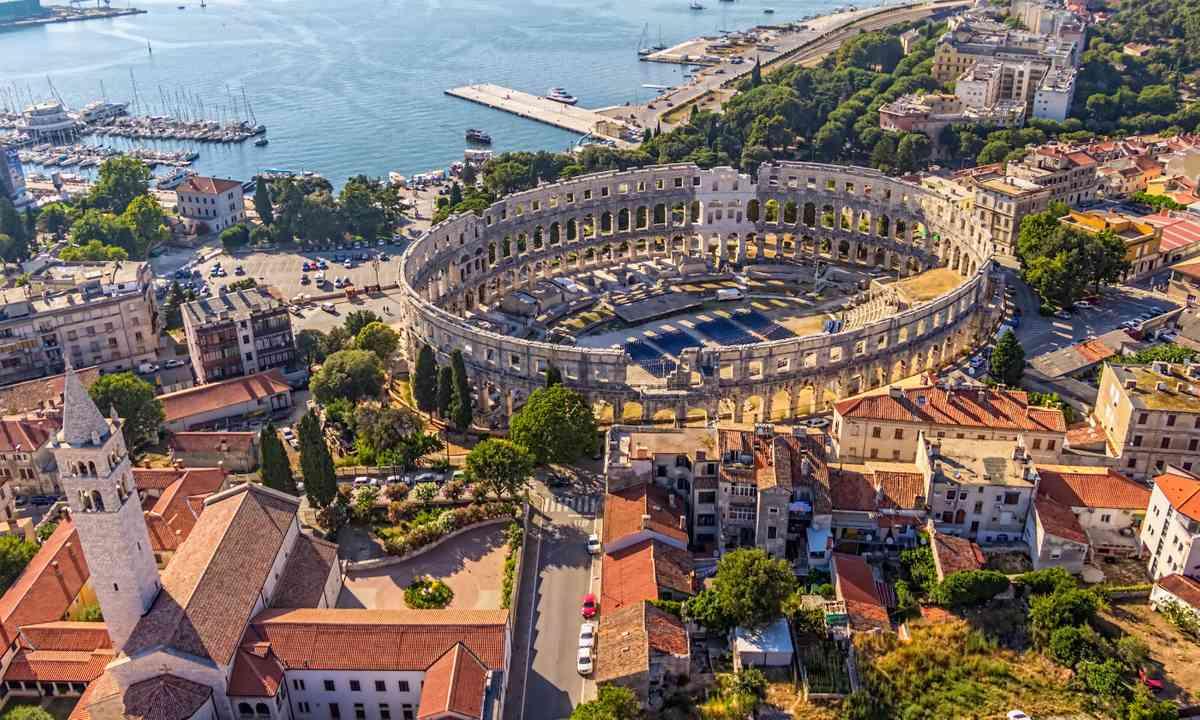 Arena in Pla, Croatia (Shutterstock.com)