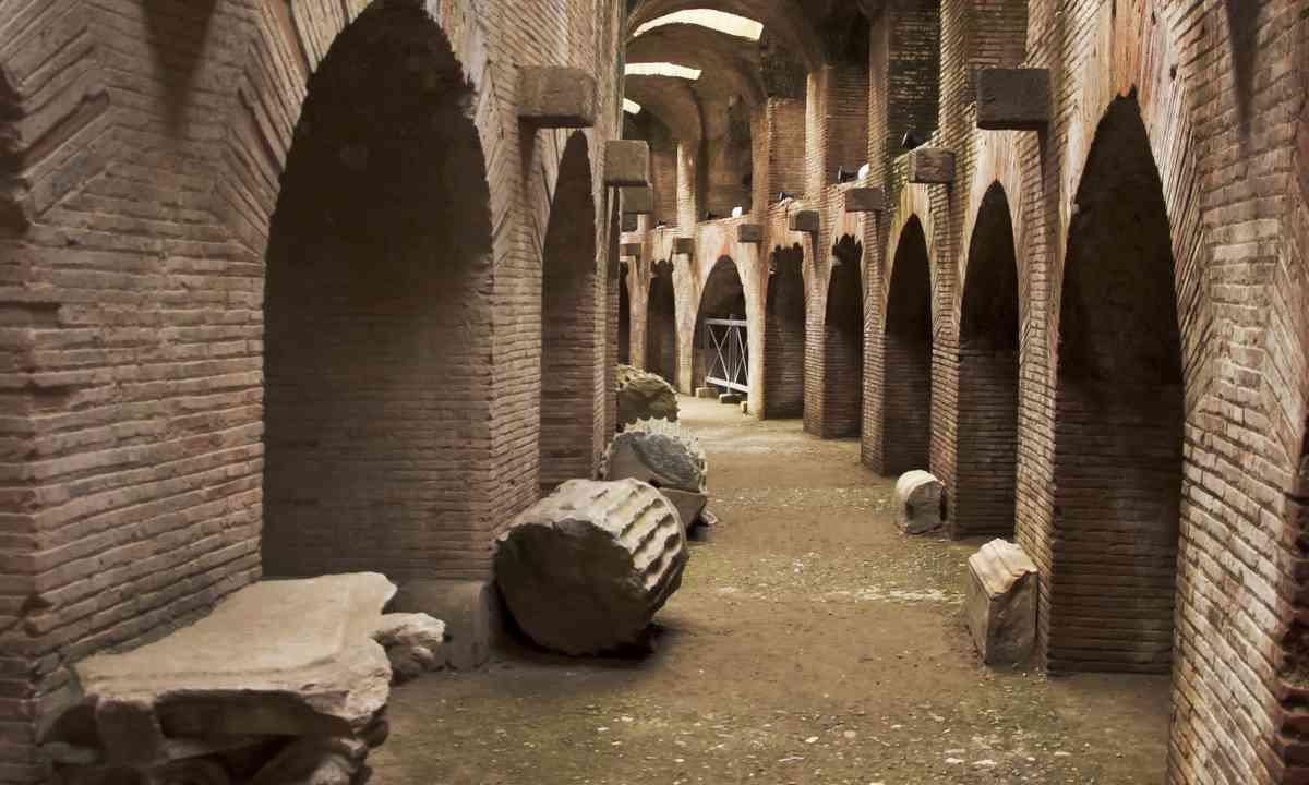 Under the amphitheatre in Pozzuoli (Shutterstock.com)
