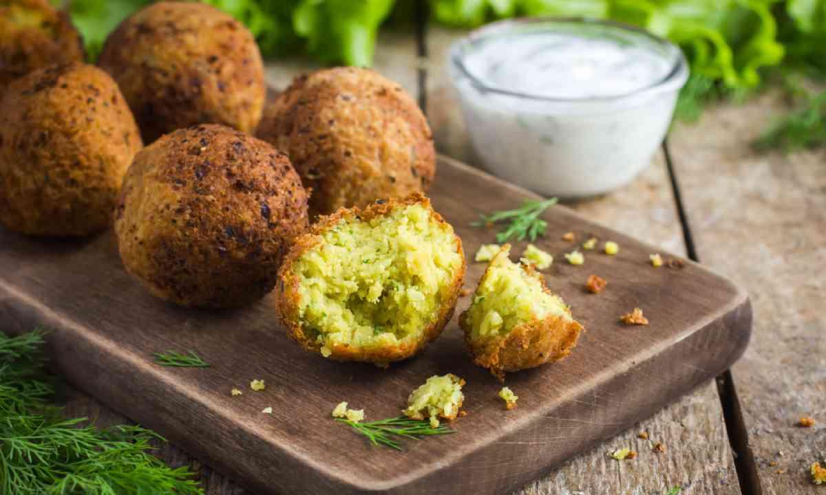 Falafel (Shutterstock)