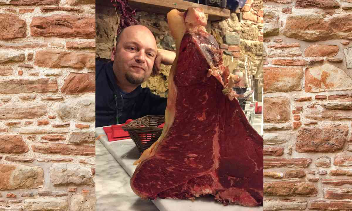 Now that's a steak! (Peter Moore)