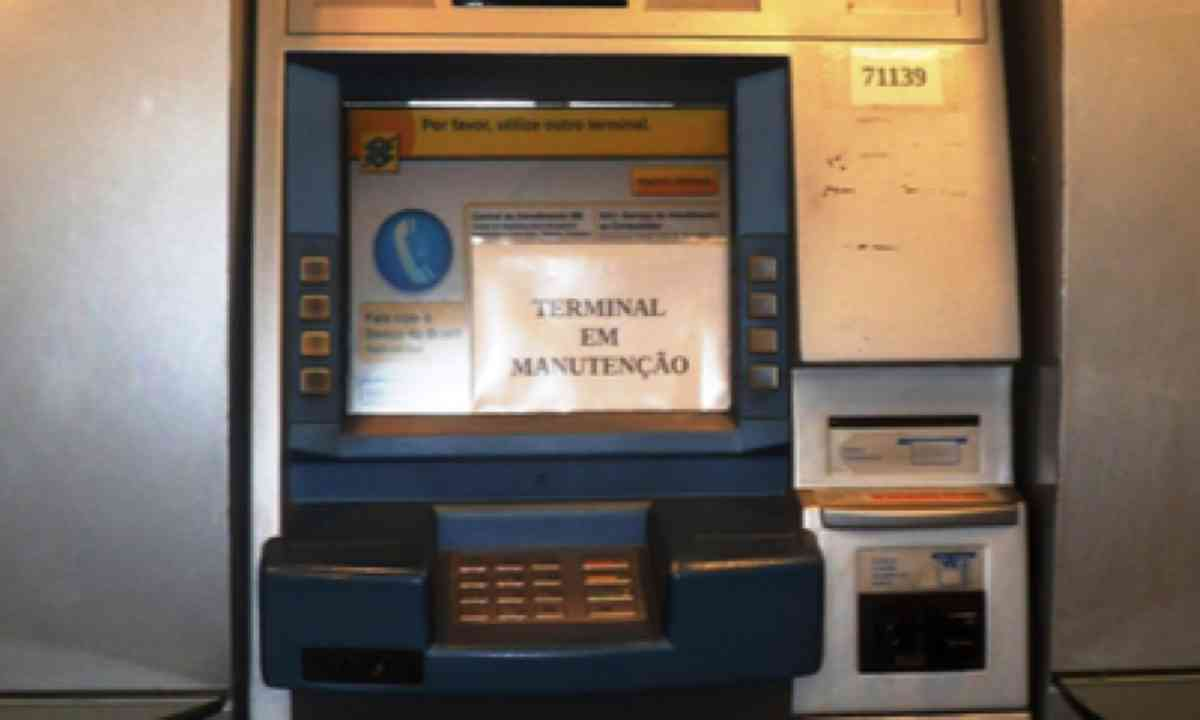 ATM machine. Not working. (Norman Ratcliffe)