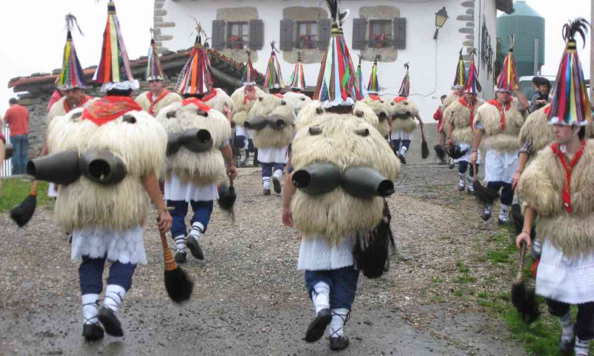 The Joaldunak in Ituren, (Creative Commons: Jean Michel Etchecolonea)