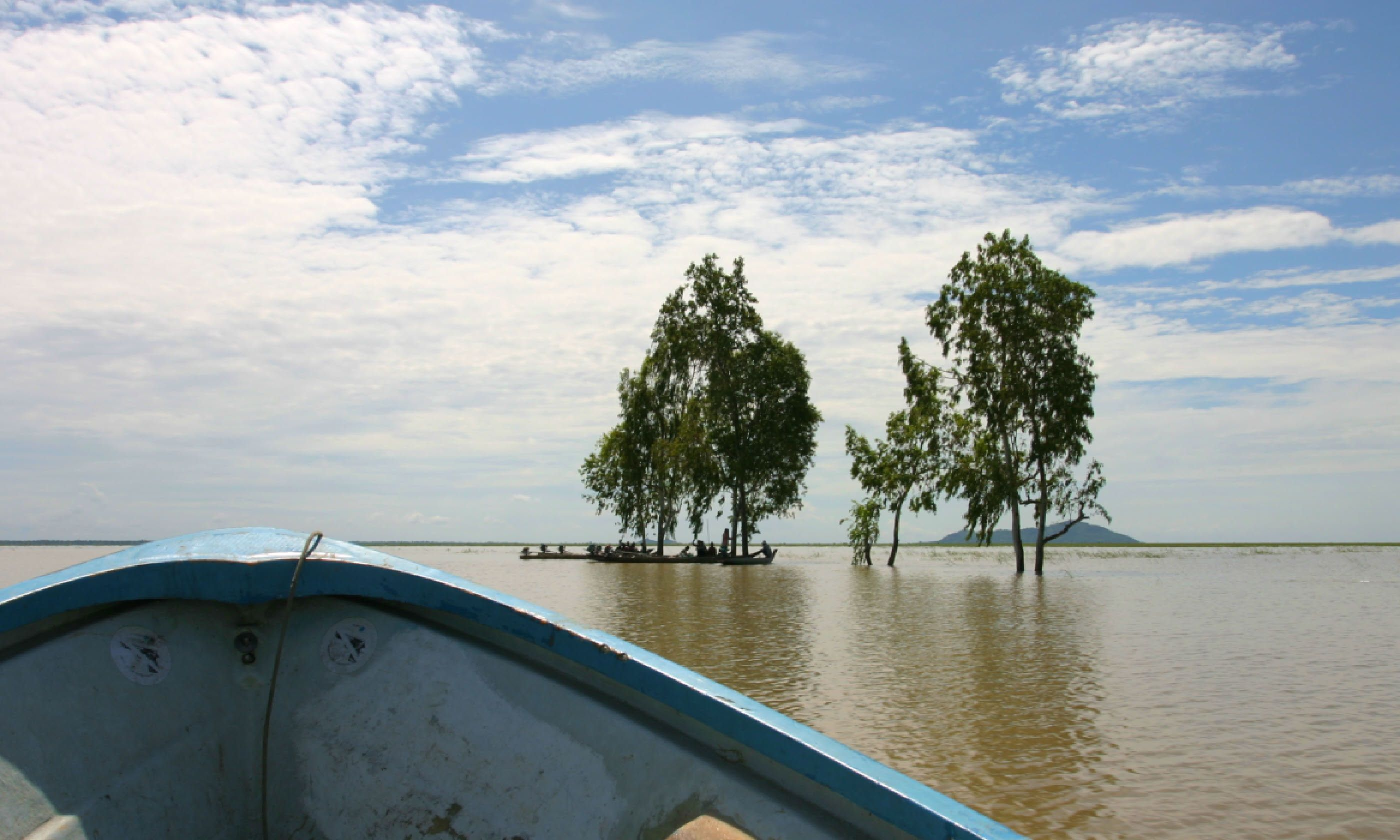 On the way to temple of Phnom Da, wet season (Shutterstock)