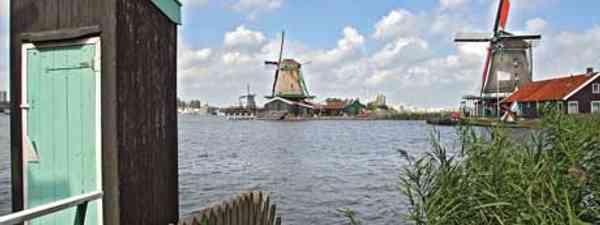 A traditional toilet overhanging the River Zaan, Zaandam, Holland (Terry Langhorn)