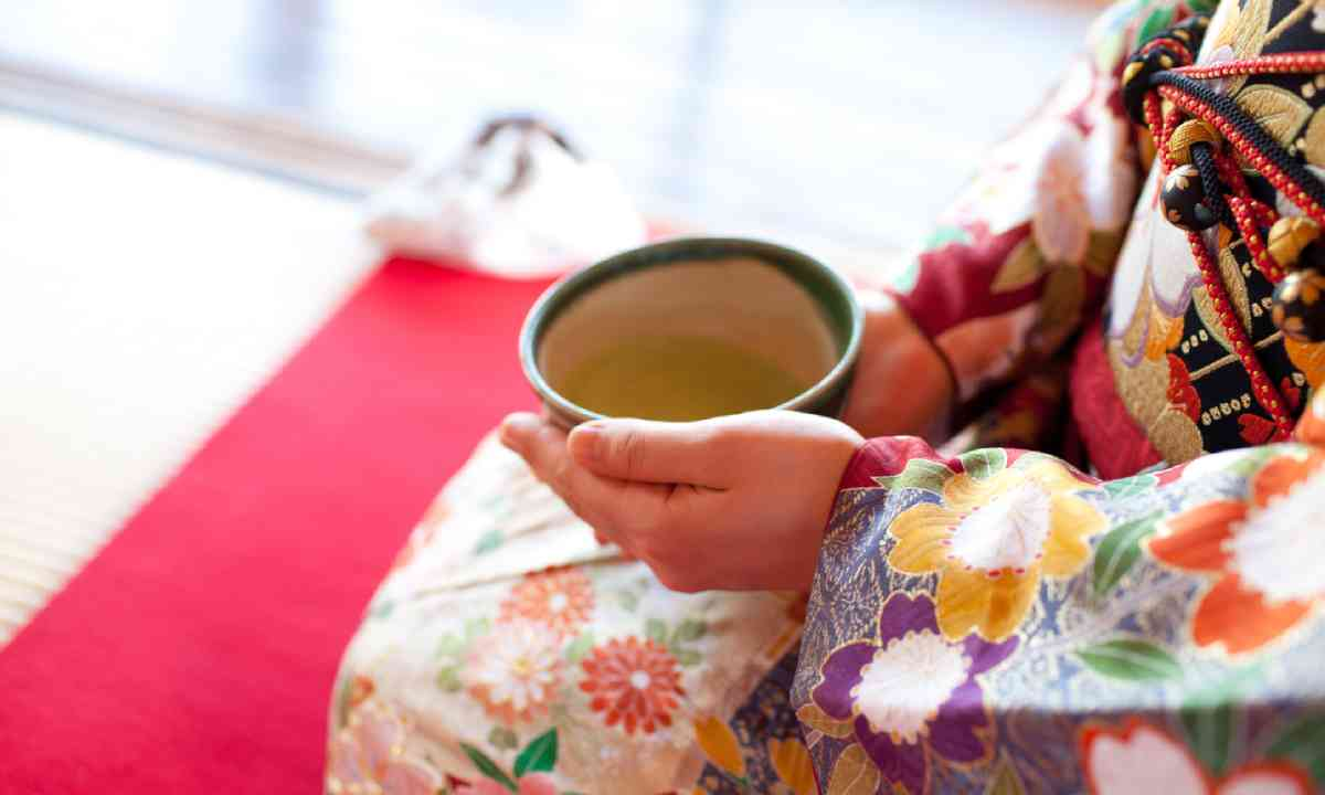 Japanese tea ceremony (Shutterstock)