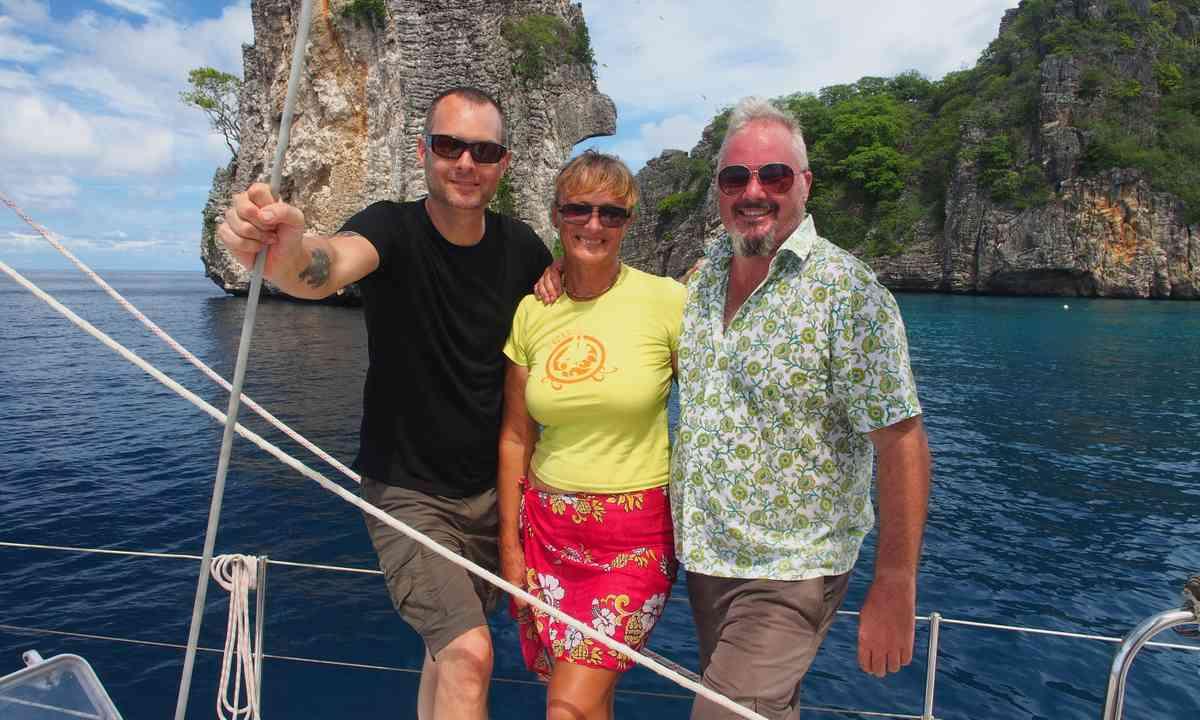 Friends on the ocean (Liz Cleere)