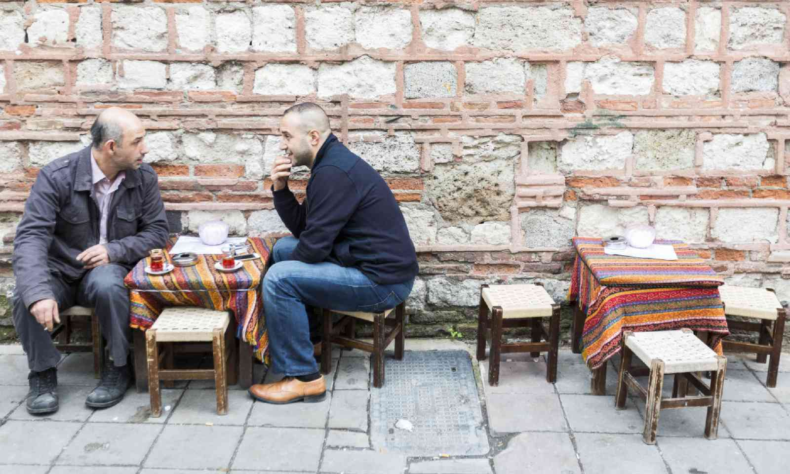 Drinking Turkish coffee in Istanbul (Dreamstime)