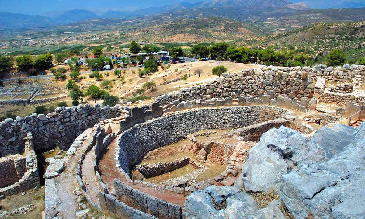 View form the Acropolis, Mycenae (Shutterstock.com)